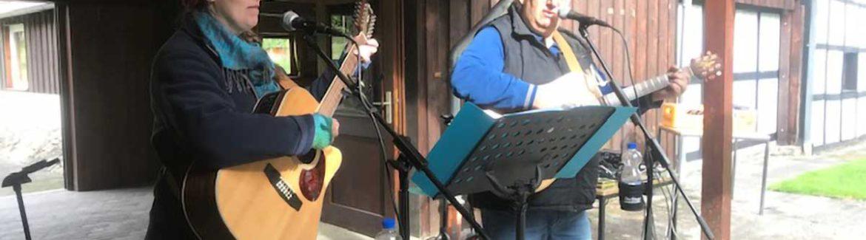 """Konzert mit dem Duo """"C & T"""" auf dem Heimathof"""